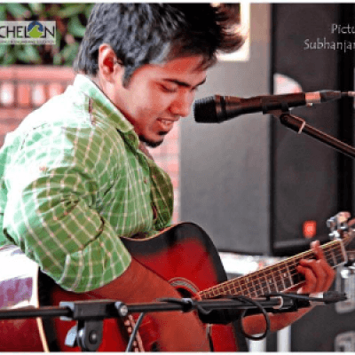 Kabeer Professional Singer Performing at The Yard  Powered by StarClinch