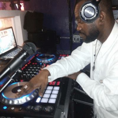 Monster Mixer Dj Nyce in Bull Mansion Bistro 324th &amp 25th