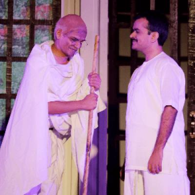 A Gujarati Play - Mahatma Na Mahatma