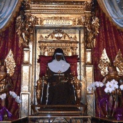 Visita la Cappella della Santa a Bologna