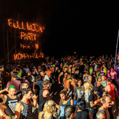 Thailand Full Moon Party group trip with Roaming Clan