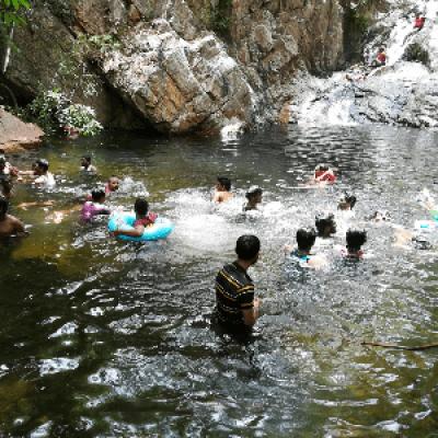 ADVENTURESOME TADA waterfall trek