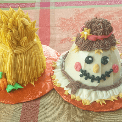 Scarecrow and Haystack Cake Decorating Class