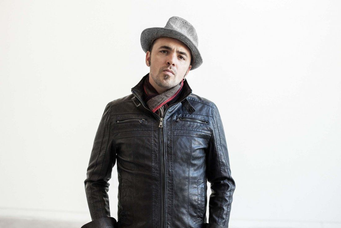 Hawksley Workman (Canada) at The Stag and Hunter Hotel