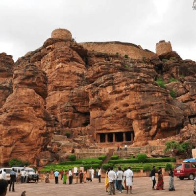 Heritage tour to Hampi Pattadakal Ainhole &amp Badami 22-26 Nov
