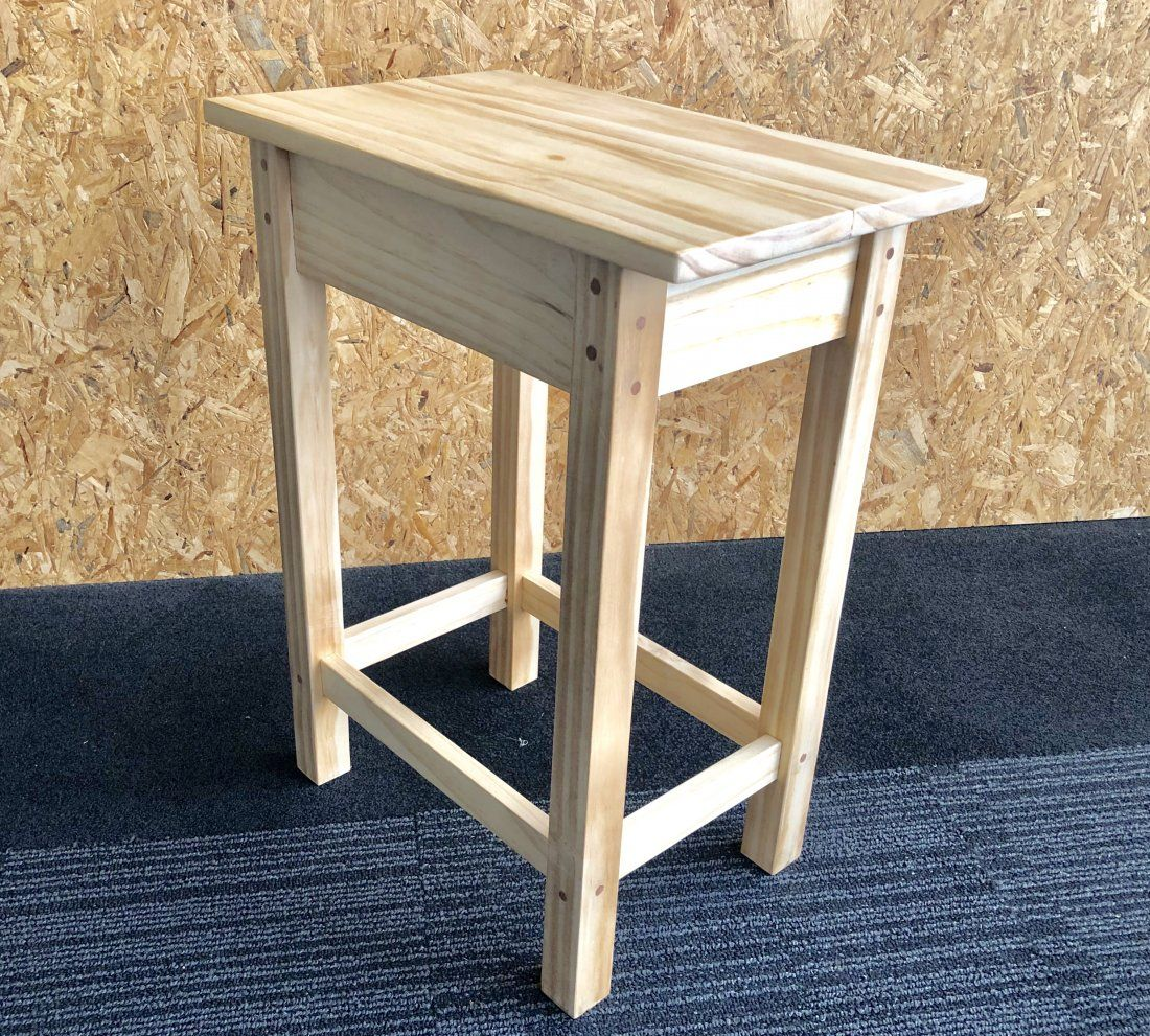 Woodwork Hobby Construct a Side Table Workshop