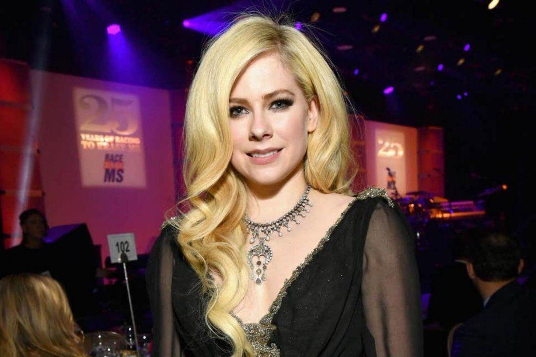 Avril Lavigne at The Chicago Theatre Chicago IL