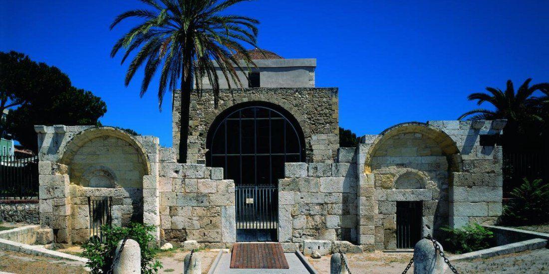 Passeggiata a san saturnino e cimitero di bonaria