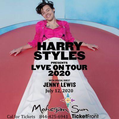 Harry Styles & Jenny Lewis at Mohegan Sun Arena - CT Uncasville CT