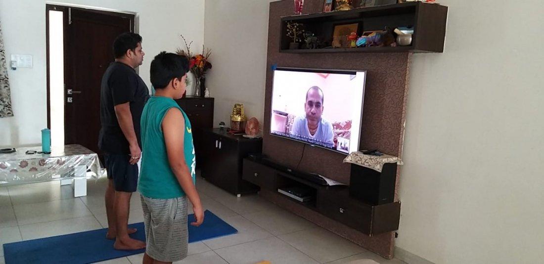 Online Free Holistic Yoga Session With Dr. Madhav Kirti Das (E-RYT500 YACEP CYAI PGDYS PGYED)