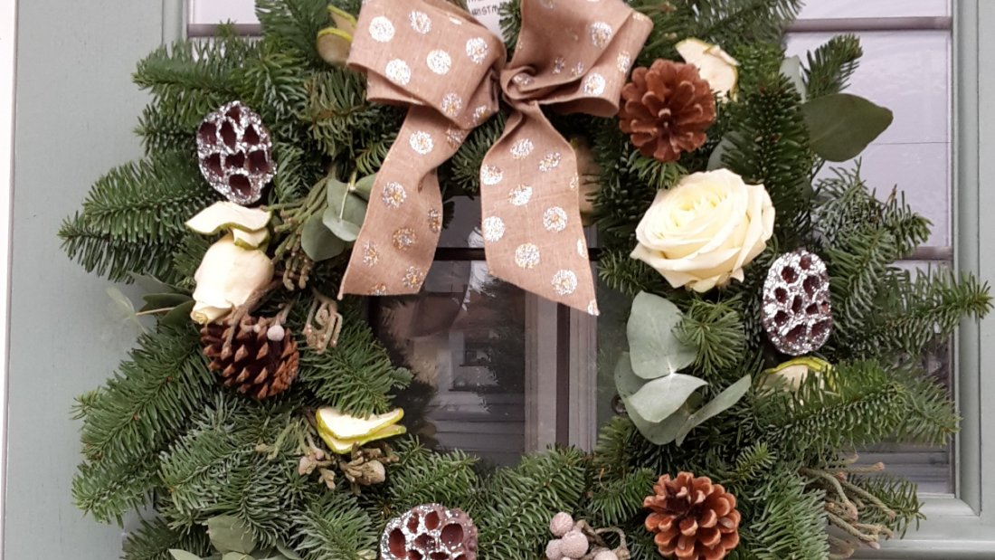 Christmas wreath Course 28th November, 28 November | Event in Southend-on-Sea | AllEvents.in